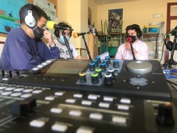 grabando podcast estudio
